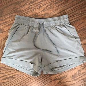 Spring break away lululemon green shorts